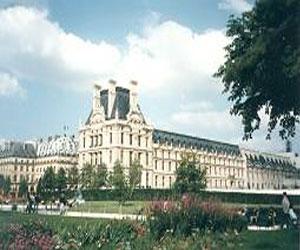 История Лувра