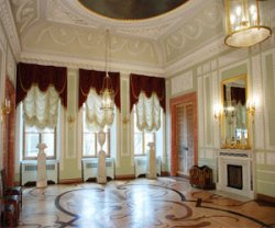 После реставрации открылся зал декоративно-прикладного искусства Франции