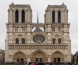 Собор Парижской Богоматери – самая популярная достопримечательность среди иностранцев-туристов
